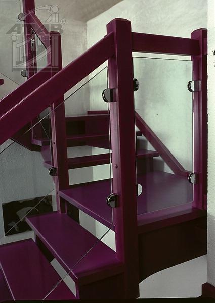 Färgstark trappa från Atab trappan