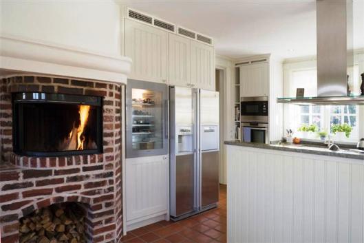 Köket kommer från Lundins kök och heter Tradition Pärlspont