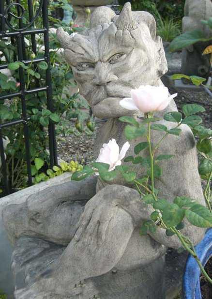 Staty från Garden Aquatica