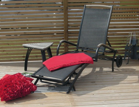 Härlig vilsäng från Mellby garden - för både sol och skugga