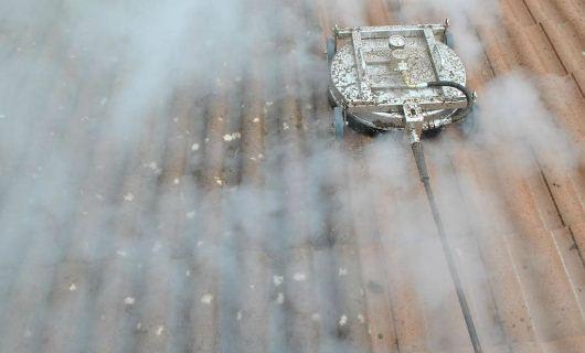 Hetvatten behandling av taket