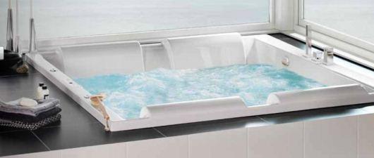 Dubbelt massagebadkar från Westerbergs
